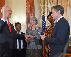 US envoy to Somalia sworn in after Senate approval, The First post Sinds 1991